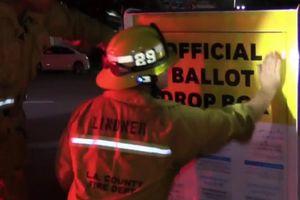 Hòm thư bị phóng hỏa ở Mỹ, nhiều phiếu bầu bị thiêu rụi