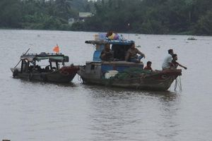 Hai phụ nữ mất tích trong vụ chìm ghe