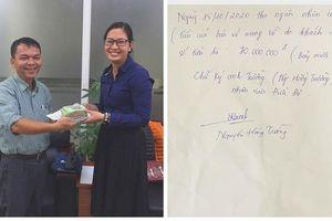 Hanoibus trao trả túi đồ có 70 triệu đồng cho hành khách để quên trên xe 08A