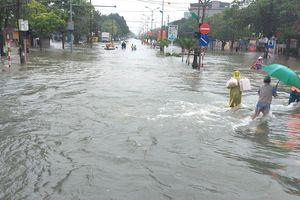 Nhiều địa phương ở Hà Tĩnh bị cô lập, chia cắt