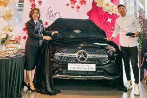 Đoàn Văn Hậu tậu 'xe vào việc nhanh' Mercedes-Benz GLC 300