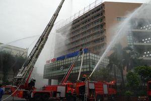 Nhiều phương tiện hiện đại tham gia diễn tập giả định chữa cháy tại Hà Nội