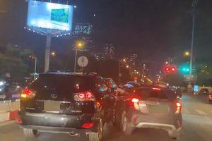 Clip ôtô Vinfast Fadil và xe sang Lexus rượt đuổi nhau trên phố: Nhân chứng nói gì?