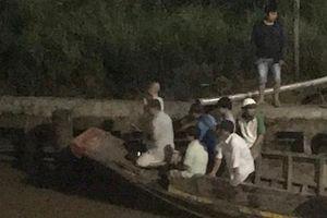 Bến Tre: Chìm ghe trong đêm tối, một người tử vong