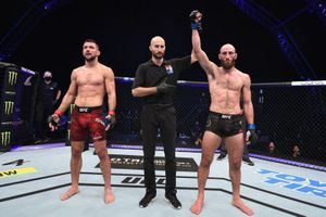 Võ sĩ UFC gây sốc khi từ chối thắng 'độc cô cầu bại' Gamrot