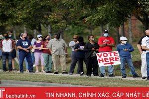 Không khí cử tri Mỹ đi bỏ phiếu sớm bầu Tổng thống
