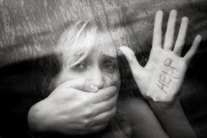 Truy bắt 'yêu râu xanh' tấn công tình dục nữ giáo viên người Anh