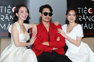 Thu Trang diện áo hở ngực gợi cảm, chiếm trọn 'spotlight' trong họp báo ra mắt 'Tiệc trăng máu'