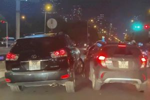 Clip: Xe Lexus và Fadil rượt đuổi, áp sát nhau 'đại chiến' làm náo loạn phố Hà Nội