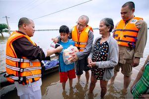 Phật giáo Nghệ An kêu gọi cứu trợ đồng bào lũ lụt