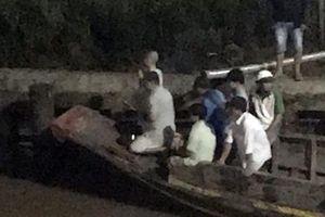 Chìm ghe, 2 người phụ nữ bị nước cuốn mất tích