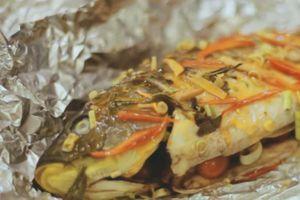 Cá nướng giấy bạc cho bữa ăn ngày lạnh