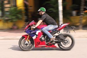 Cận cảnh Honda CBR1000RR-R SP hơn 1 tỷ đồng tại Hà Nội