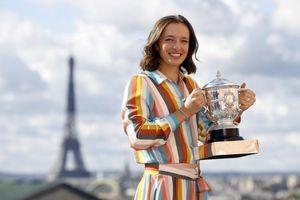 Iga Swiatek vô địch Roland Garros 2020: Câu chuyện cổ tích thời hiện đại
