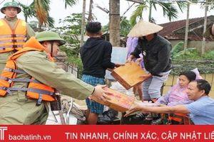 Hà Tĩnh gấp rút hỗ trợ nhu yếu phẩm thiết yếu cho Nhân dân vùng lũ