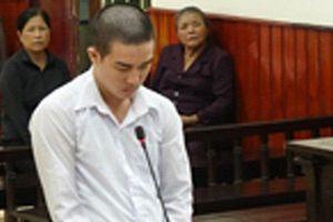 20 năm tù cho nam thanh niên đổ xăng đốt cha ruột tử vong
