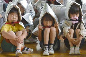 Trẻ em Nhật Bản được dạy sinh tồn trong thảm họa, bão lũ