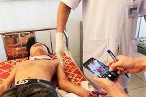 Hà Tĩnh: Máy tính phát nổ, 3 học sinh nhập viện cấp cứu