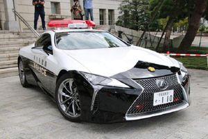Ngắm xe cảnh sát Lexus LC 500 'sang chảnh' tại Nhật Bản