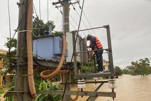 Quảng Bình: Khẩn trương khôi phục cấp điện sau lũ lụt