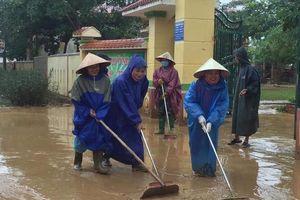 Quảng Bình: Dọn lũ cùng nước rút