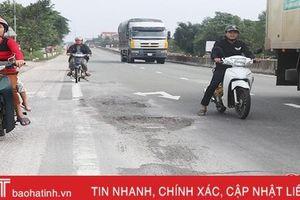 Quốc lộ 1A từ TX Hồng Lĩnh đến Thạch Hà chi chít ổ gà