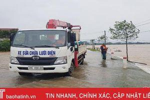 70% khách hàng ở 'tâm lũ' Hà Tĩnh được cấp điện trở lại