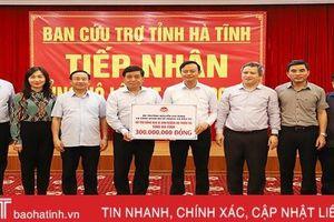 Bộ trưởng Bộ Kế hoạch & Đầu tư động viên, hỗ trợ Nhân dân vùng lũ Hà Tĩnh
