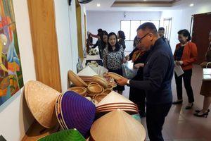 Đào tạo nghề gắn với giải quyết việc làm cho thanh niên ngoại thành Hà Nội
