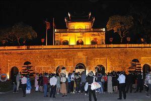Tour đêm 'Giải mã Hoàng thành Thăng Long'