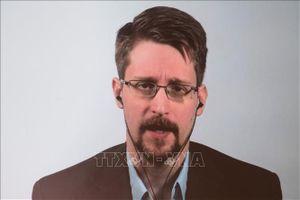Nga cấp quyền cư trú dài hạn cho Edward Snowden