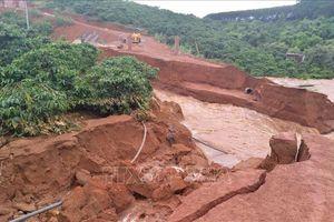 Đắk Nông cảnh báo nguy cơ sạt lở nhiều công trình giao thông, dân sinh