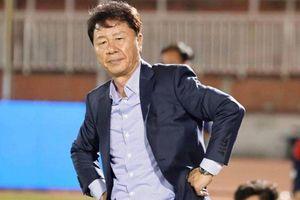 Thầy ngoại khó thành công vì lệch 'tông' văn hóa bóng đá Việt?