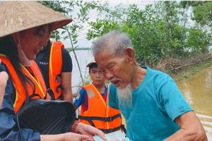 Ca sĩ Thủy Tiên quyên góp hơn 100 tỉ cho miền Trung: Chưa có điều luật nào nghiêm cấm cá nhân đứng ra vận động tổ chức