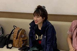 Kiệt sức khi đi cứu trợ ở miền Trung, Hòa Minzy phải chích 10 mũi thuốc