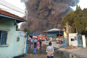 Bình Dương: cháy lớn tại công ty xử lý môi trường