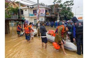 Quảng Bình: Vạn tiếng thỉnh cầu giữa mưa lũ, triệu hành động đáp lại trong hối hả