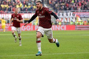 Milan: Gã khổng lồ vươn lên từ đống tro tàn