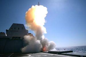 Uy lực kinh hoàng của siêu khu trục hạm Mỹ trong lần đầu phóng thử tên lửa SM-2