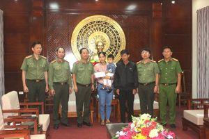 Công an Hà Nội chia sẻ khó khăn, mất mát với nhân dân, cán bộ Công an tỉnh Quảng Trị bị hy sinh, thiệt hại do mưa lũ