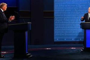Tổng thống Trump 'tự bắn vào chân' trước giờ tranh luận?