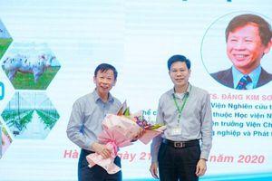 Sinh viên tìm hiều về 'Nền nông nghiệp Việt Nam hiện tại và tương lai'