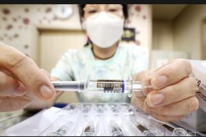 25 người tử vong, Hàn Quốc vẫn không dừng tiêm phòng cúm