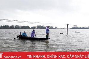 Đánh bắt cá trong mưa lũ, thói quen nguy hiểm
