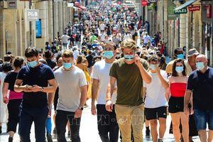 Pháp, Hy Lạp siết chặt biện pháp phòng dịch COVID-19