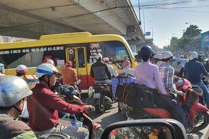 Hà Nội: Vì sao càng mở rộng đường càng tắc nghẽn giao thông?