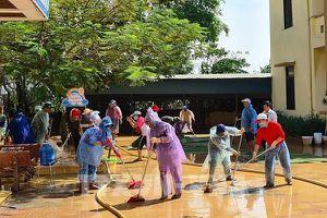 Quảng Bình: Cấp nước sạch và hỗ trợ người dân vùng lũ sấy hạt giống bị ướt