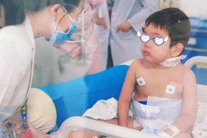 Be trai 4 tuổi mắc phải căn bệnh ít gặp: Hội chứng 'thực bào máu'