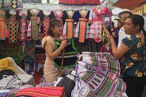 Doanh nghiệp Lai Châu: 'Mở đường' về miền núi