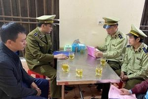 Bán đồ ăn giá 'cắt cổ' cho đoàn cứu trợ, chủ quán ở Hà Tĩnh bị xử phạt